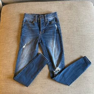 Aero High Rise Distressed Jegging
